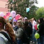 Am Tag der Konstituierung des neuen Kreistages ließen wir 99 bunte Luftballons als deutliches Zeichen gegen den Einzug der NPD in den Himmel steigen.